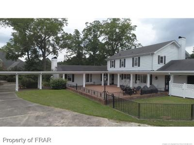 Fayetteville Single Family Home For Sale: 6483/89 Summerchase Drive