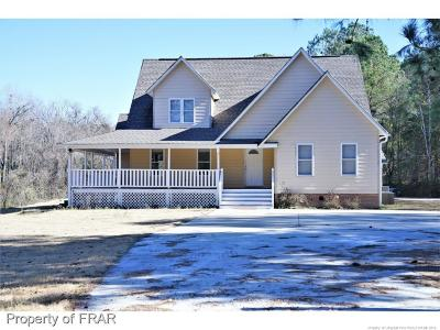 Hoke County Single Family Home For Sale: 739 Lindsay Rd