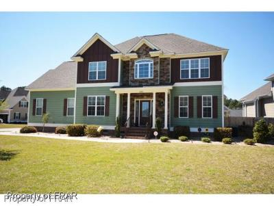 Fayetteville Single Family Home For Sale: 4020 Fallberry Drive