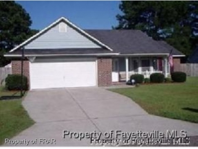 Hope Mills Single Family Home For Sale: 4305 Haskell Drive