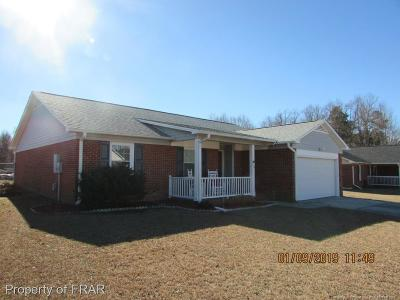 Fayetteville Single Family Home For Sale: 318 Sparrow Dr #105