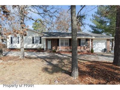 Fayetteville Single Family Home For Sale: 6882 Beaver Stone