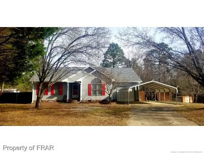 Raeford Single Family Home For Sale: 213 Sprucepine Drive