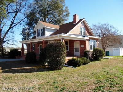 Robeson County Single Family Home For Sale: 406 E 3rd Street