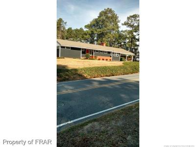 Hope Mills Single Family Home For Sale: 5412 Lakeview Road