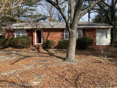 Fayetteville Single Family Home For Sale: 905 Poplar Drive