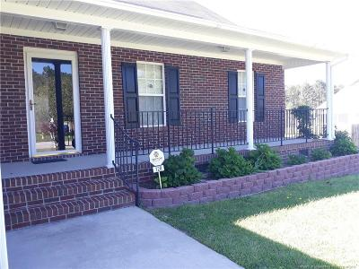 Raeford Single Family Home For Sale: 128 Fallingleaf Drive
