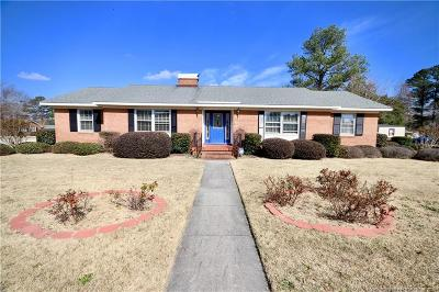 Robeson County Single Family Home For Sale: 301 Roslyn Drive
