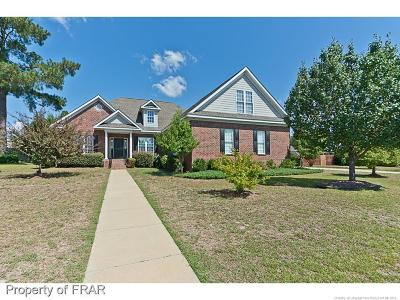 Fayetteville Single Family Home For Sale: 2820 Meadowmont Lane