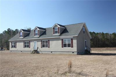 Robeson County Single Family Home For Sale: 1492 J W Road