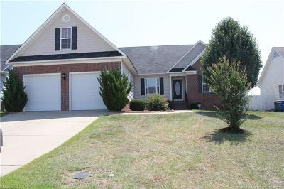 Fayetteville Single Family Home For Sale: 1705 Kershaw Loop