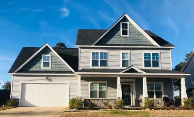 Fayetteville Single Family Home For Sale: 812 Ronald Reagan Drive