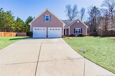 Hope Mills Single Family Home For Sale: 4405 Forest Park Court