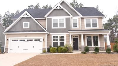 Hope Mills Single Family Home For Sale: 3904 Racking Horse Road