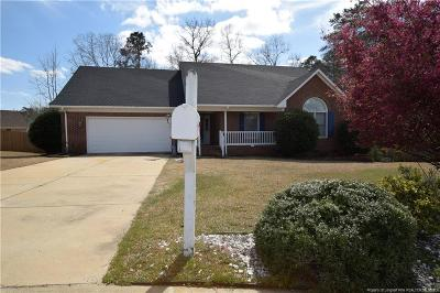 Fayetteville Single Family Home For Sale: 517 Foxdenton Place