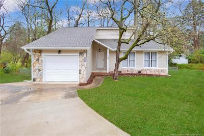 Fayetteville Single Family Home For Sale: 1103 Lake Mont Court