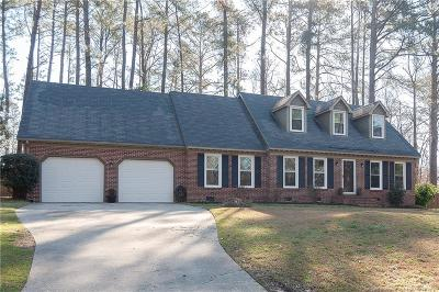 Fayetteville Single Family Home For Sale: 7069 Kings Lynn Loop