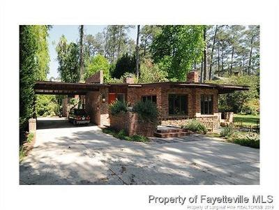 Fayetteville Single Family Home For Sale: 309 Stonebrook Place