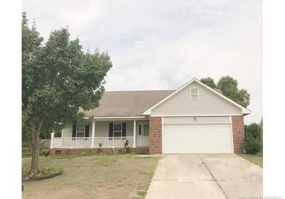 Hope Mills Single Family Home For Sale: 4410 Pensacola Drive