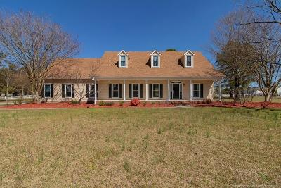 Hoke County Single Family Home Active Under Contract: 352 Saddlebred Lane