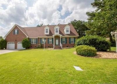 Fayetteville Single Family Home For Sale: 2438 Caithness Drive