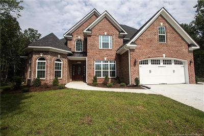 Fayetteville Single Family Home For Sale: 2109 Altitude Drive