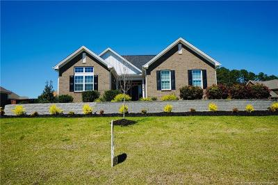 Fayetteville Single Family Home For Sale: 2740 Meadowmont Lane