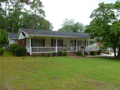 Raeford Single Family Home For Sale: 811 E Donaldson Avenue