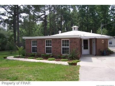 Hope Mills Single Family Home For Sale: 407 Porter Rd Road