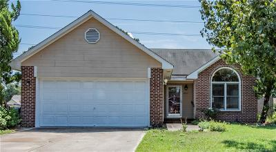 Hope Mills Single Family Home For Sale: 3517 Chaucer Drive