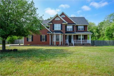 Raeford  Single Family Home For Sale: 104 Breckenridge Drive
