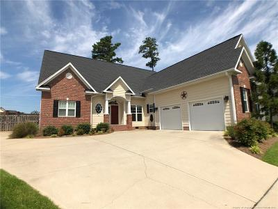 Fayetteville Single Family Home For Sale: 3933 Doonvalley Drive