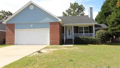Hope Mills Single Family Home For Sale: 1029 Alexwood Drive