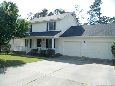 Fayetteville Single Family Home For Sale: 1820 Daphne Circle
