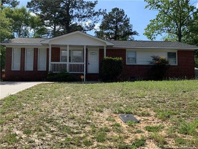 Fayetteville Single Family Home For Sale: 1830 Dewsberry Drive