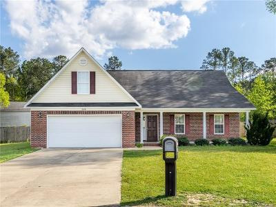 Fayetteville Single Family Home For Sale: 209 Cordelia Court