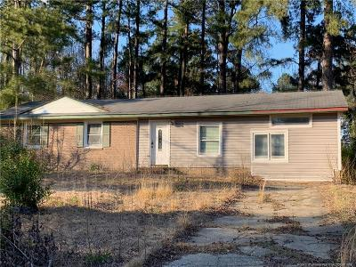 Fayetteville Single Family Home For Sale: 209 Treadway Court