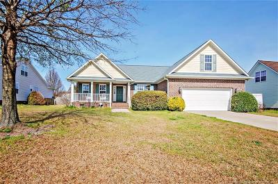 Hope Mills Single Family Home For Sale: 5908 Blue Sky Lane