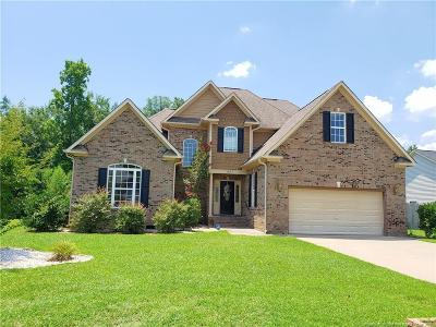 Fayetteville Single Family Home For Sale: 427 W Summerchase Drive