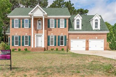 Fayetteville Single Family Home For Sale: 7913 Lester Drive