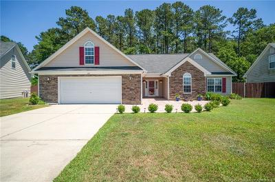 Hope Mills Single Family Home Active Under Contract: 1061 Screech Owl Drive