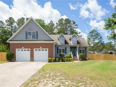 Hope Mills Single Family Home For Sale: 709 Maple Grove Court