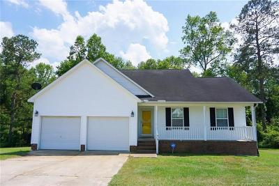 Raeford Single Family Home For Sale: 410 Buckeye Drive