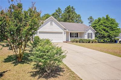Raeford Single Family Home For Sale: 106 Haywood Drive