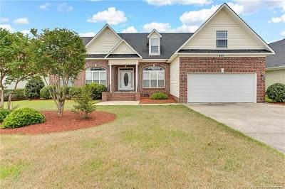 Fayetteville Single Family Home For Sale: 257 W Summerchase Drive