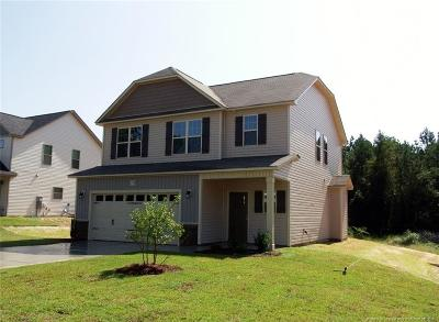Fayetteville Single Family Home For Sale: 1718 Cherry Point (Lot 105) Drive