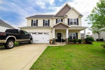 Raeford  Single Family Home For Sale: 305 Peaceford Avenue