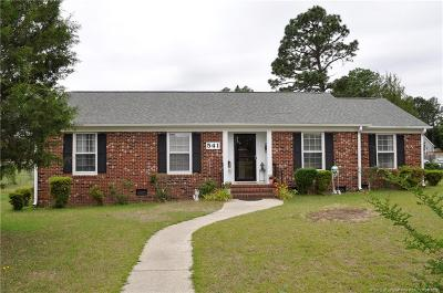 Fayetteville Single Family Home For Sale: 541 Deerpath Drive