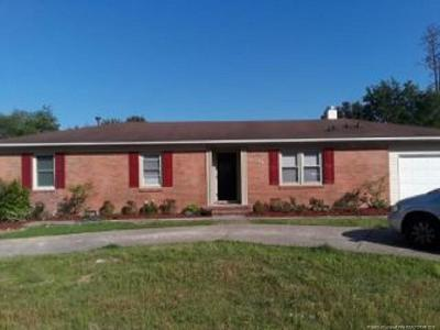 Fayetteville Single Family Home For Sale: 5136 Longbranch Drive