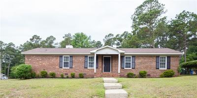 Fayetteville Single Family Home For Sale: 715 Dandridge Drive